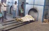 Ölü Yakma İşlemi  Hindistan