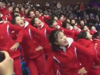 Ponpon Gibi Takımlarına Tezahürat Yapan Kuzey Koreli Kızlar