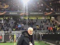 Deplasmana Gelen Taraftarını Görünce Ağlayan Kulüp Başkanı