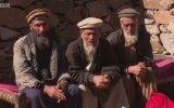 Dünyada Sadece 3 Kişinin Konuşabildiği Dil  Bandeşi
