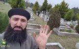 Mezarlıktaki Mükemmel Manzarayı Anlatan Sakallı Adam