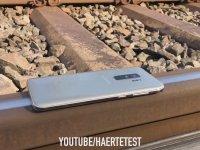 Samsung S9'un Üzerinden Tren Geçerse