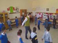 Öğrencilerine Zeybek Oynamasını Öğreten Öğretmen - Denizli