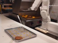 Fast Food Robotu Flippy