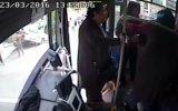 Aniden Dönüş Yapıp Kazaya Yol Açan Kadın Sürücü