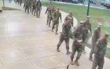 Amerikan Askerlerine Dayılanan Kaz