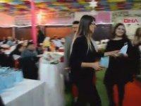 Davetlilere Nikah Şekeri Yerine Köpek Mamasının Dağıtıldığı Düğün