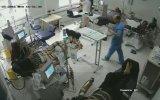 Hastanede Tartıştığı Adamın Üstüne Benzin Döküp Yakan Manyak