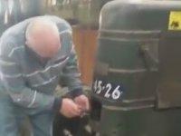 Tüfek Mermisi ile Marş Alan Traktör