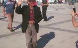 Adanalı Dayının Müziğin Ritmiyle Dansın Dibine Vurması