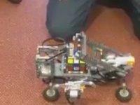 Lise Öğrencilerinin Rubik Küpünü Çözen Robotu
