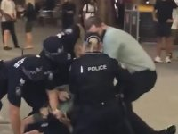 Polisi Tuş Eden Eleman