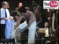 İbrahim Tatlıses'in Konserde Striptiz Yapması
