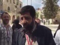 Kedinin Kafasına Vurup Müslüman Yapan Adam