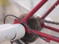 Bisikletin Pedalını Çevirerek Çamaşır Yıkamak