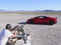Lamborghini'nin Camlarından Karşıki Hedefe Atış