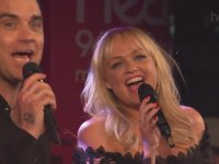 Robbie Williams & Emma Bunton - 2 Become 1 (Canlı Performans)