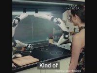 Tek Dokunuşta Yemek Hazırlayan Robot