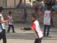 Diyarbakır'da Messi'ye Taş Çıkartan Kız