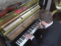 Avicii'nin En İyi Şarkılarını Piano'da Coverlamak (Avicii Anısına)