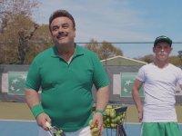 Bülent Serttaş'ın Oynadığı Aşırı Kasılmış Tenis Reklamı