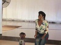 Annesinin Dansına Çok Şaşıran Ufaklık