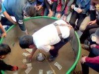 Bul Fareyi Al Parayı Oyunu Oynayan Çocuklar