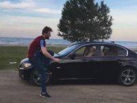 Trabzonlu Gencin Giden Arabadan İnip Kolbastı Oynaması