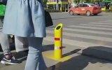 Trafik Kurallarına Uymayana Su Püskürten Sistem  Çin