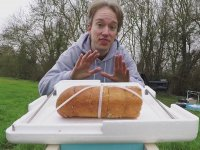 Uzaya Gönderilen Sarımsaklı Ekmeği Döndükten Yemek