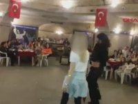 İlkokul Gezisinde Dansözlü Zenneli Eğlence