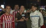 Tacizci Taraftarı Mikrofonla Döven Kadın Muhabir