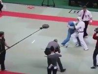 Dövüşte Hakem Kızarsa