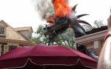 Walt Disney Geçit Töreninde Maket Ejderhanın Yanması