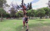 Rus Gençlerin Akrobatik Hünerlerini Sergilemesi