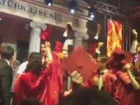 İzmir Marşı Söyleyen Öğrencileri Susturmaya Çalışan Okul Müdürü
