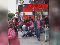 Sokak Ortasında Saç Baş Birbirine Giren Kızlar - Elazığ
