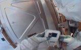 Astronotun SD Kartı Dünyada Unutması