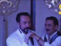 Adnan Oktar'ın Latif Doğan ile Düet Yapması
