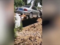 Vasiyet Üzerine Arabasıyla Gömülen Çinli