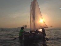 Atık Pet Şişelerden Tekne Yapan Vatandaş