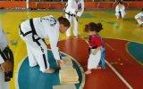 Sevimlilik Abidesi Karateci Minik Kız