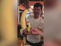 30 cm'lik Görünce Şaşıran Çinli