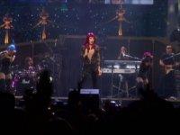 Cher - Strong Enough (Canlı Performans -1999)