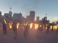 Guinness Rekoru - Aynı Anda Kendini Ateşe Veren 32 Kişi