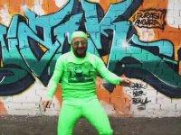 Yeşil Uzaylı Dansı - Bana mı Yürüyon - Armağan Aslan