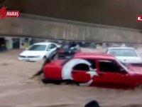 Sele Kapılıp Sürüklenen Tofaşını Elleriyle Tutmaya Çalışan Vatandaş