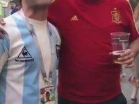 Maradona'nın Golünü Anlatan Arjantinli ve İspanyol Ruh Hastası Taraftarlar