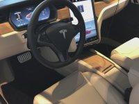 Tesla'nın Yenilediği Araç İçi Değişimi