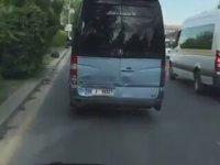Ambulansa Yol Vermeyen Dolmuş
